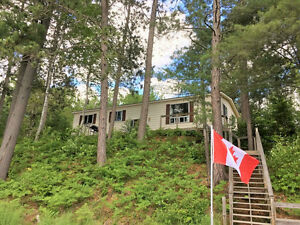 Waterfront Home just south of Bancroft