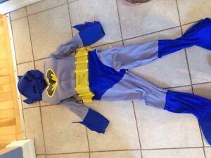 Batman costume size4-7