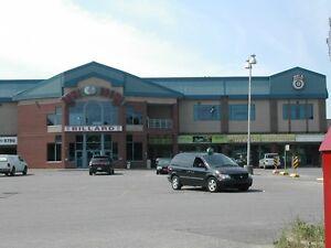 Local Commercial *1,700 à 11,000 pi ca*, à louer (Plaza Pierrefo