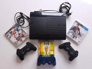 Sony Playstation 3. PS3 12GB. 3 Manettes. 3 jeux