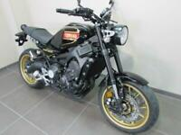 YAMAHA XSR900 SE SPECIAL EDITION, 70 REG 0 MILES, 80 BLACK WITH GOLD WHEELS.