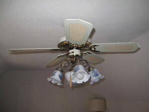 VINTAGE CEILING FAN WITH TWO MATCHING CEILING LAMPS Gatineau Ottawa / Gatineau Area image 2