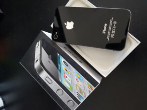 Unlocked iPhone 4S - Like New In Box - Includes 3 Cases