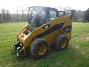 2010 CAT 262C SKID STEER 2 Speed with CAB LOW HOURS
