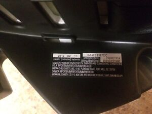Britax B safe car seat and base for sale Moose Jaw Regina Area image 4