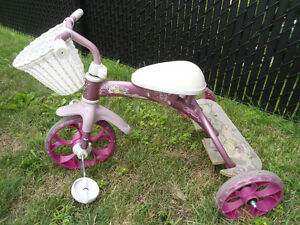 TRICYCLE FÉLIX ET WILLIAM DE MARQUE LOUIS GARNEAU