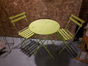 Bistro Patio Set - Metal - Could use a cleaning/ Paint