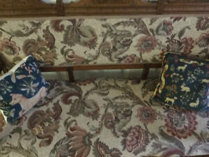 Antique settee in wonderful condition