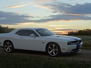 2011 Dodge Challenger SRT8 Coupe (2 door)