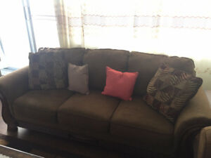 Sofa set 3 seater and 1 seater with side table and center table