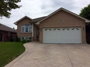 LARGE HOUSE FOR RENT IN EAST WINDSOR AREA