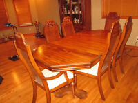 Complete Dining Room set with Hutch