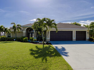 Cape Coral Waterfront Villa, Heated Pool/Spa ... Relax & Enjoy