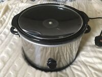 Large slow cooker hardly used