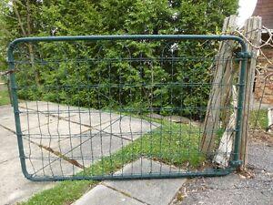 Porte grillagée pour clôture (vintage)