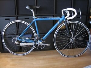 44cm Extra Small Cannondale Road bike