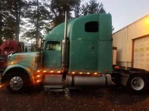 2006 FREIGHTLINER CLASSIC for sale