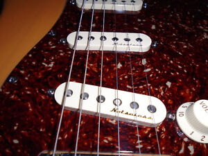 MINT CONDITION AMERICAN STANDARD FENDER STRATOCASTER West Island Greater Montréal image 6