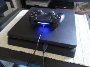 (MINT) PS4 SLIM 500GB W/ EVERYTHING IN BOX