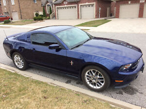2012 Ford Mustang V6 Premium Coupe