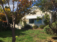 Beautiful, Large 4 bed/2bathroom Home in Central Osoyoos