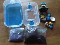 Hermit crab cage and accessories