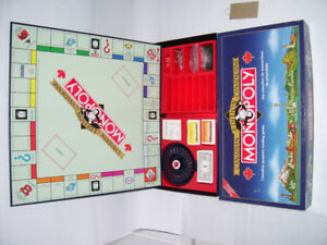 DELUXE MONOPOLY GAME [canadian]