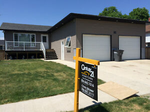 Beautiful home close to Weyburn for sale!