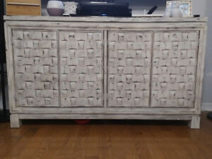 Like new server / hutch / dining room furniture