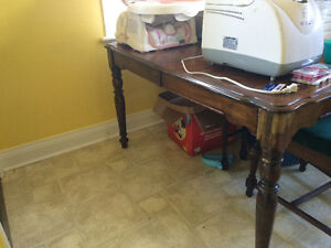 Oak table and 5 chairs Sarnia Sarnia Area image 2