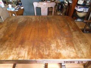 Vintage 1916 kitchen table in great shape REDUCED FOR QUICK SALE