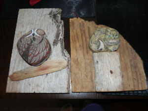 2 DRIFTWOOD PICTURES WITH HAND PAINTED STONES