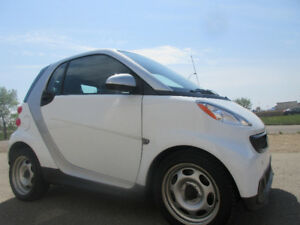 2014 SMART FORTWO PURE COUPE-ONE OWNER-CLEAN CARPROOF