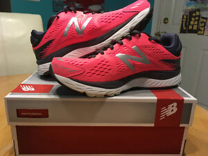 BRAND NEW.. NEW BALANCE SHOES