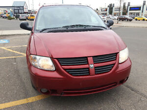 2006 DODGE GRAND  CARAVAN,  LEATHER / SUNROOF 3800.O.B.O.