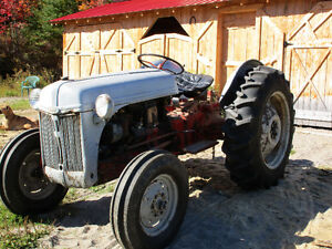 Tracteur Ford 52