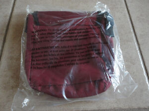 Roots burgundy crossbody messenger bag purse New with tags London Ontario image 5