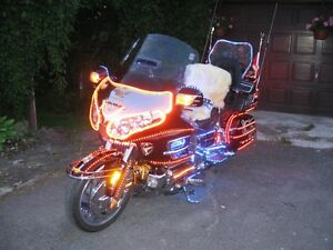a vendre honda goldwing gl 1800 avec 128 options