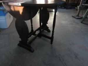 125 YR OLD HALL/COFFEE/END TABLE Peterborough Peterborough Area image 3
