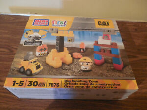 Mega Bloks First Builders CAT - Crane Truck Man (7876)