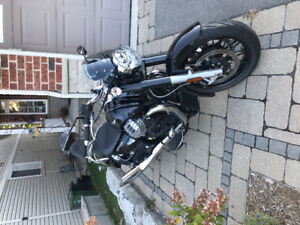 Moto Guzzi California Custom 1400 - only 2000kms, factory extras