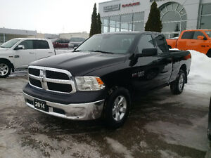2014 Ram 1500 Quad Cab sxt 4x4 only 39000kms! clean 1 owner !