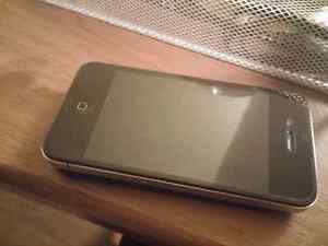 IPhone 4, 16gb unlocked with Wally wallet and wake up light Cambridge Kitchener Area image 1
