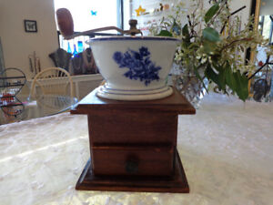Beautiful, porcelain and wood, coffe or spice grinder