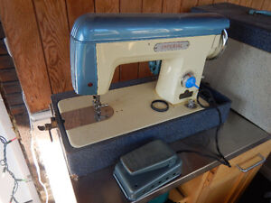 Imperial sewing machine Cambridge Kitchener Area image 2