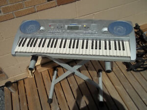 Yamaha PSR 275 Keyboard and  Stand