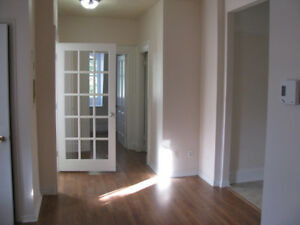 Liverpool - 2 Bdrm Upstairs Suite Available Oct 1st