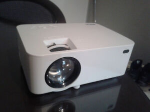 RCA 1080p Bluetooth LED Home Theater Projector