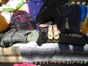 GIRLS/ TEEN ASSORTMENT OF CLOTHES IN EXCELLENT CONDITION