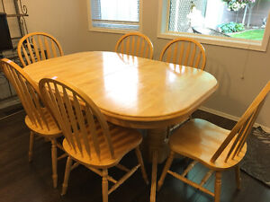 Extendable Wood Table & 6 Chairs